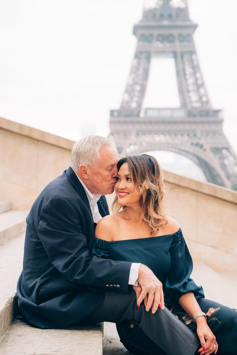 wedding pictures on steps in paris